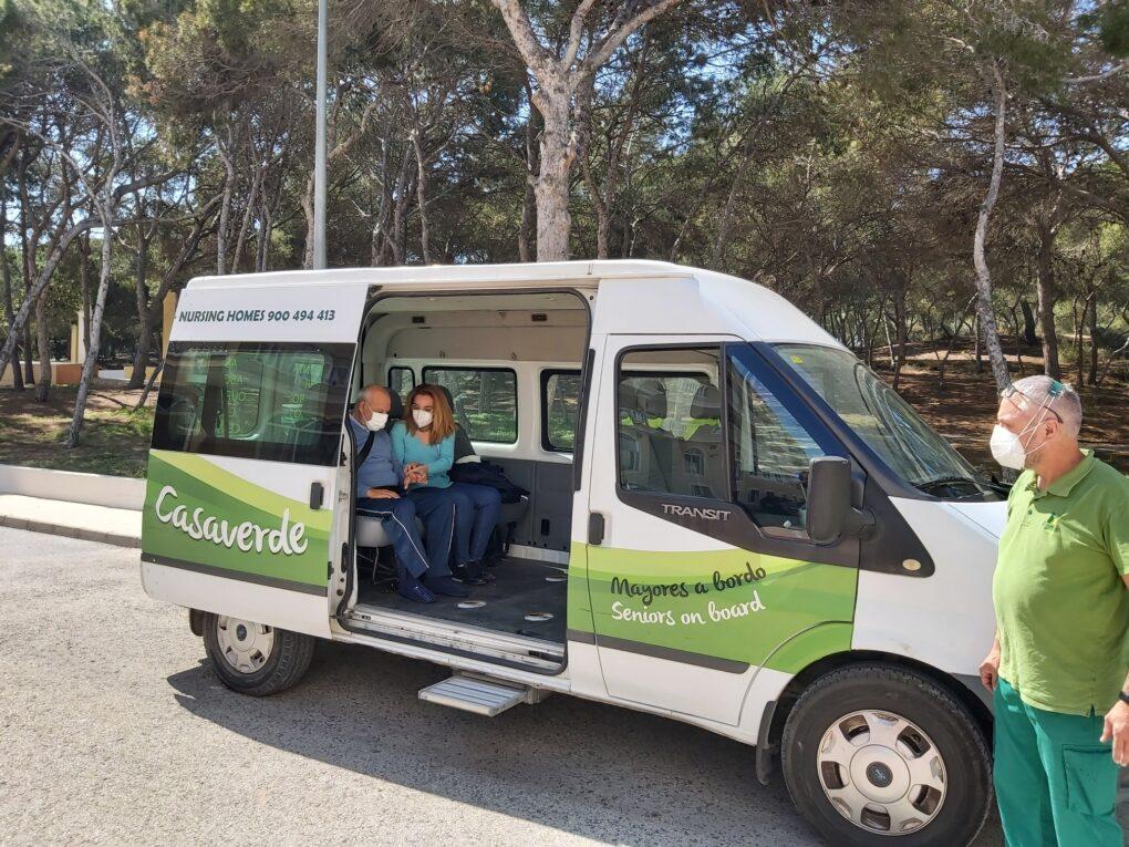 Recibimos la visita de un residente de nuestra Residencia de Guardamar al Hospital Casaverde Alicante